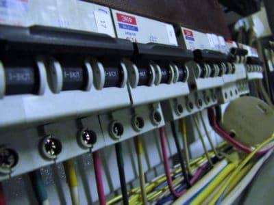 Проверка сопротивления изоляции электросети.
