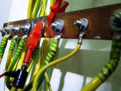 Проверка изоляции и заземления оборудования.