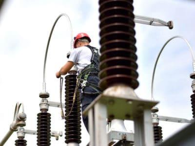 Услуги по электромонтажным работам.