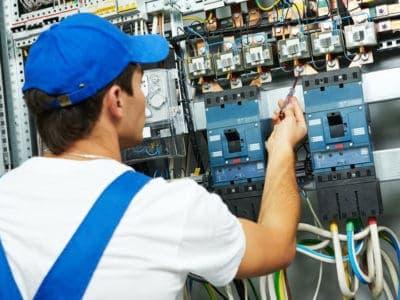 Производство электромонтажных работ.