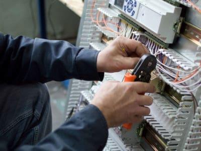 Умения для выполнения электромонтажных услуг.